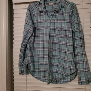 Hollister Flannel ladies blouse is size Large